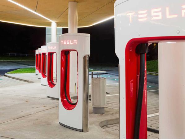 Los nuevos supercargadores de Tesla estarán disponibles a ...